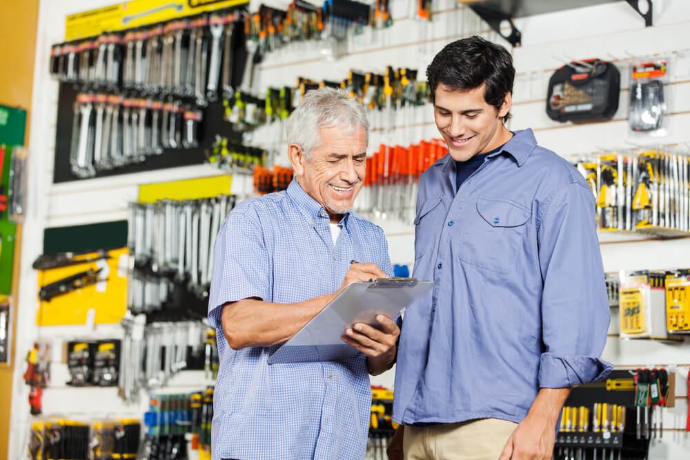 Werknemers in gereedschapzaak