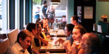 Hoog btw-tarief voor alcoholische dranken bij diner