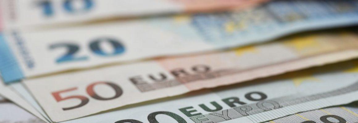 Mag u uw werknemers eigenlijk nog wel fiscaal vrijgesteld reiskosten vergoeden?